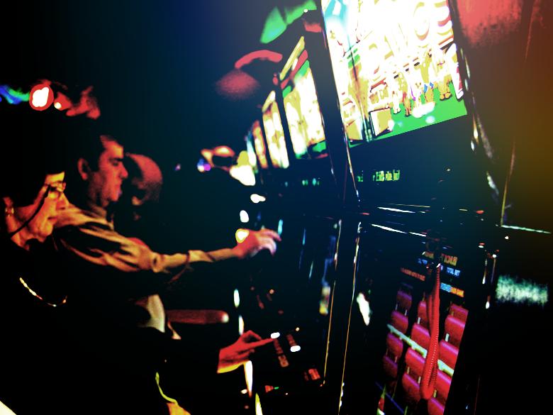 Perbedaan Antara Casino Online dan Casino Daratan